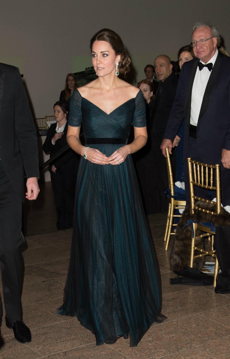 10 раз, когда Кейт Миддлтон пренебрегла королевским дресс-кодом фото [5]