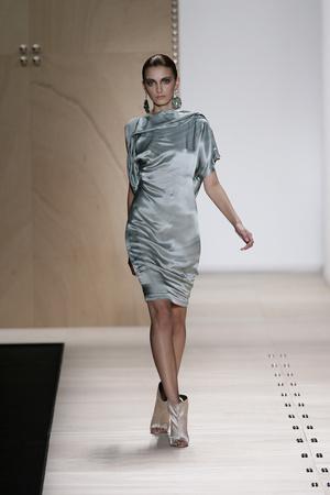 Показы мод Maurizio Pecorario Весна-лето 2009 | Подиум на ELLE - Подиум - фото 3338