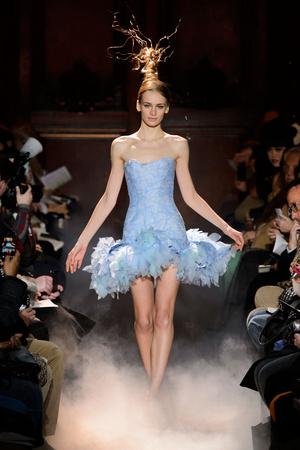 Показ Franc Sorbier коллекции сезона Весна-лето 2015 года haute couture - www.elle.ru - Подиум - фото 593397