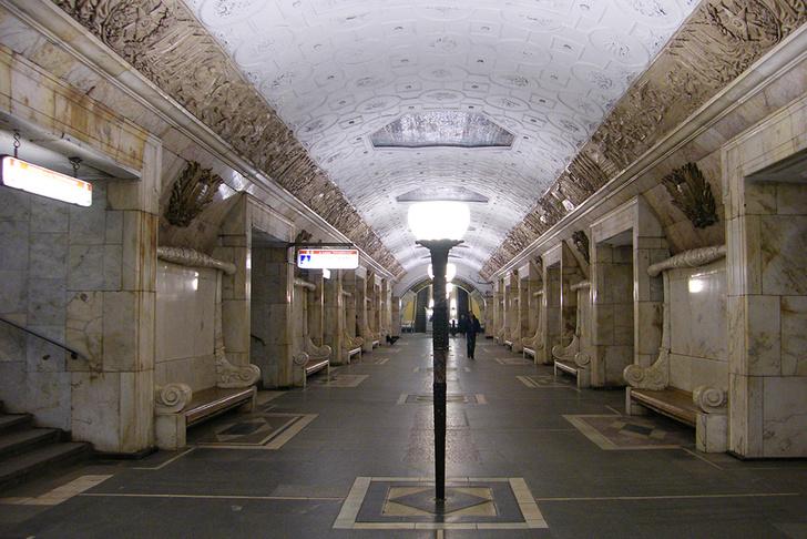 """Станция """"Новокузнецкая""""."""
