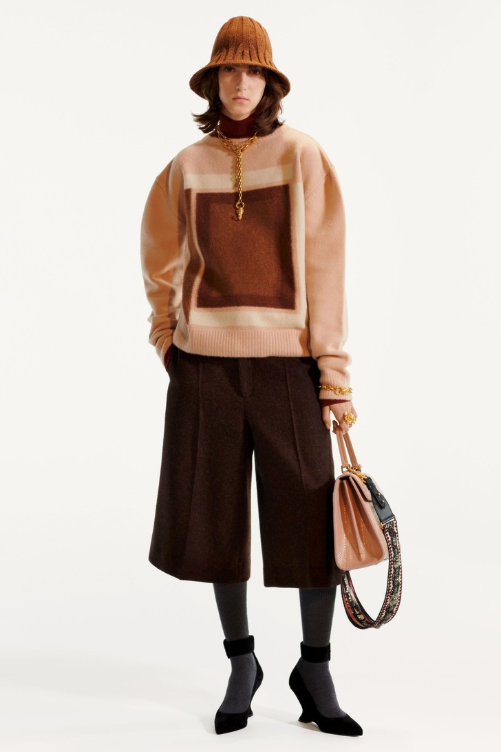 Стиль великих художниц в Dior Pre-Fall 2019 (фото 1)