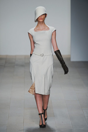 Показы мод Marios Schwab Осень-зима 2012-2013 | Подиум на ELLE - Подиум - фото 1577