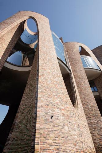 Первый архитектурный проект художника Олафура Элиассона (фото 2.1)