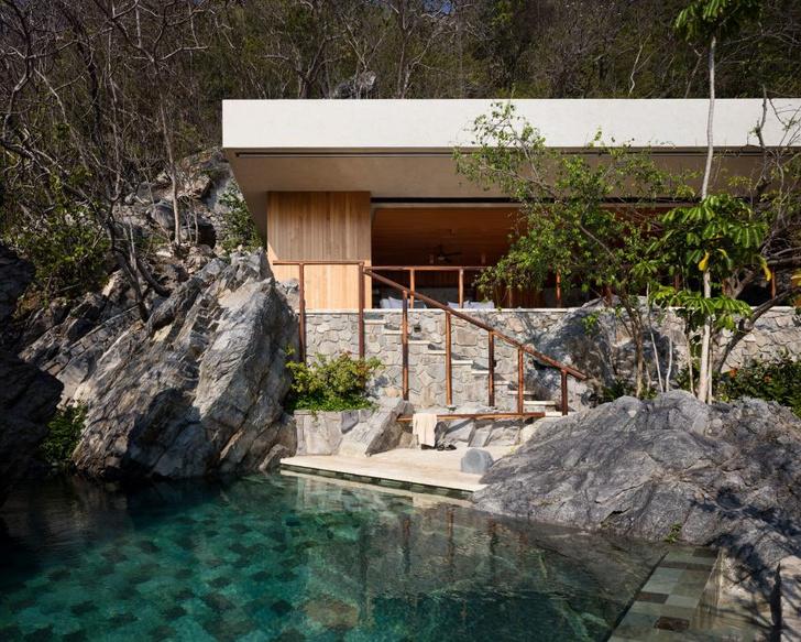 Дом в скале (фото 1)