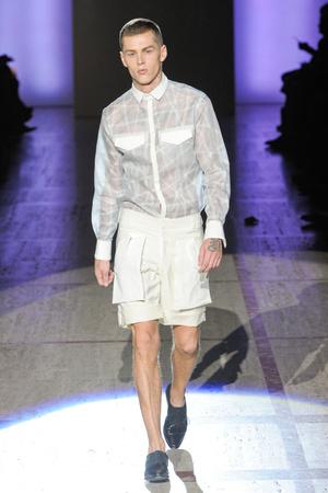 Показ ELLE's Fashion Next коллекции сезона Весна-лето 2013 года prêt-à-porter - www.elle.ru - Подиум - фото 411396