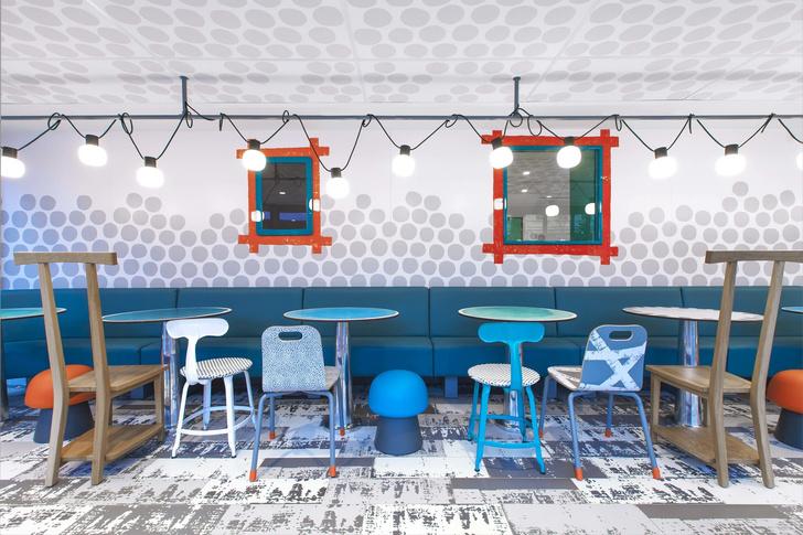 В Париже открылся McDonald's по дизайну Паолы Навоне (фото 11)