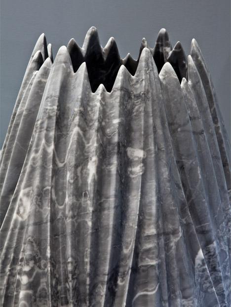 Мраморные вазы и столы от Захи Хадид | галерея [1] фото [6]