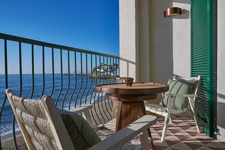 С видом на море: новый клубный отель Little Beach House под Барселоной (фото 3)