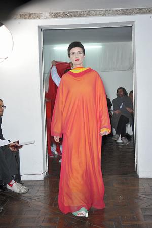 Показ Adeline Andre коллекции сезона Весна-лето 2010 года haute couture - www.elle.ru - Подиум - фото 138074