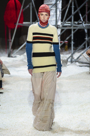 Показ Calvin Klein коллекции сезона осень-зима  2018-2019 года Prêt-à-porter - www.elle.ru - Подиум - фото 686021