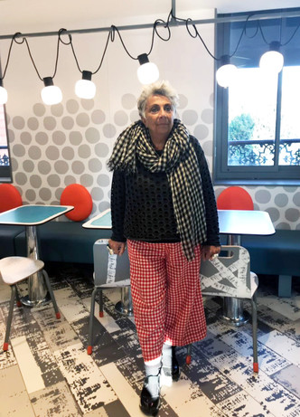 В Париже открылся McDonald's по дизайну Паолы Навоне (фото 0)