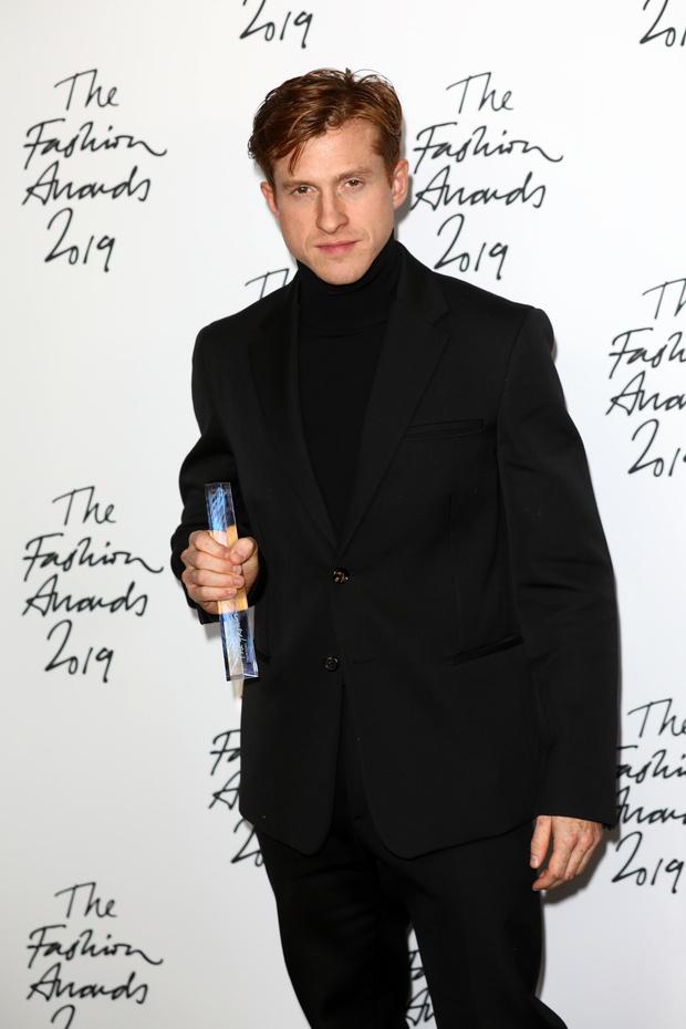Какой бренд стал лучшим и получил сразу четыре награды на British Fashion Awards? (фото 1)