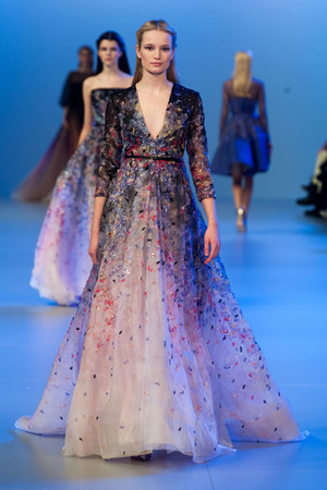 Показ Elie Saab коллекции сезона Весна-лето 2014 года Haute couture - www.elle.ru - Подиум - фото 575145