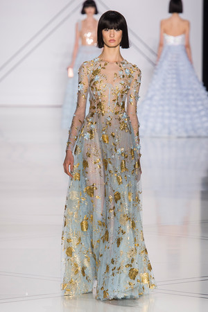 Показ Ralph & Russo коллекции сезона Весна-лето  2017 года haute couture - www.elle.ru - Подиум - фото 616173