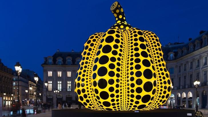 Огромная тыква от Яей Кусамы в Парже (фото 0)