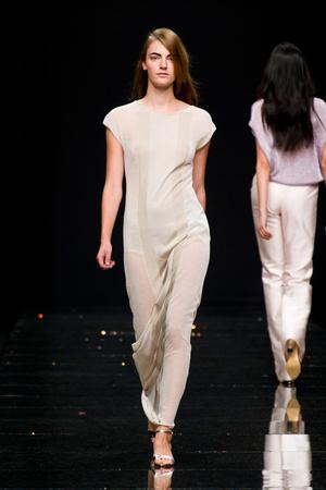 Показы мод Anteprima Весна-лето 2013 | Подиум на ELLE - Подиум - фото 1116