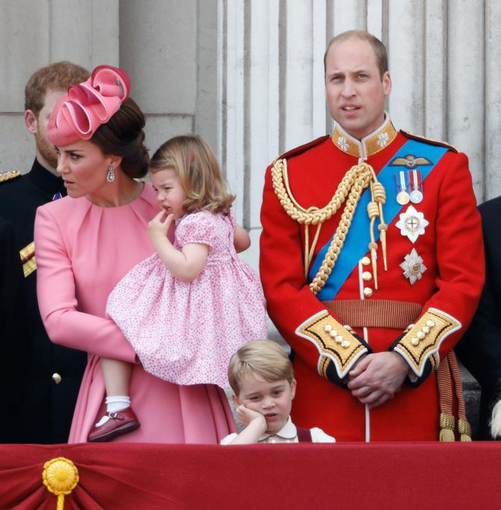 Кейт Миддлтон, принц Уильям, принцесса Шарлотта и принц Георг фото