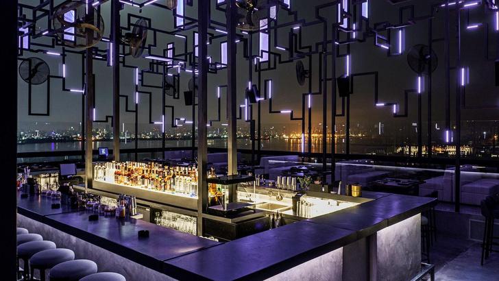 Новая высота: бар на крыше с видом на Бейрут (фото 0)