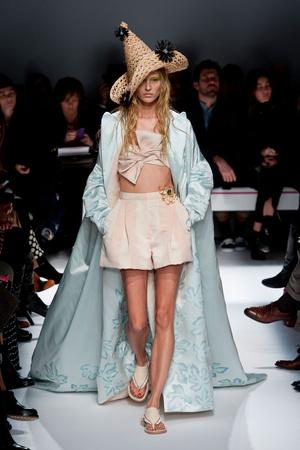 Показы мод Schiaparelli Весна-лето 2014 | Подиум на ELLE - Подиум - фото 3761