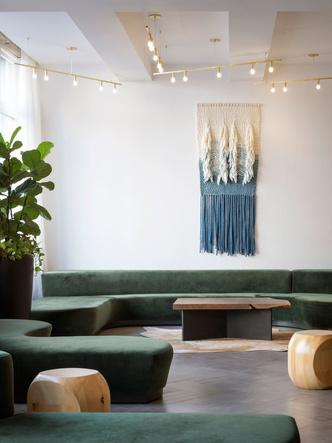 Hi-Lo - уютный отель в стиле лофт (фото 0.1)