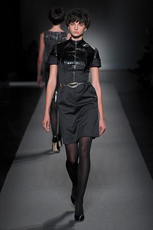 Показ Christophe Josse коллекции сезона Осень-зима 2011-2012 года Haute couture - www.elle.ru - Подиум - фото 276959