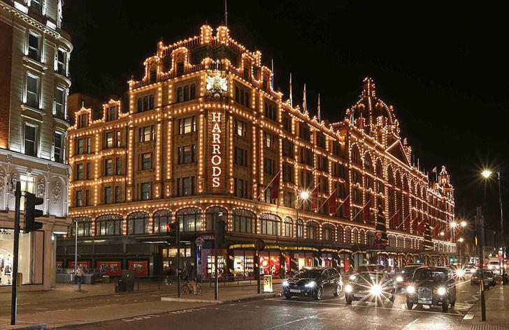 Dolce & Gabbana украсили витрины британского Harrods к Рождеству фото [5]