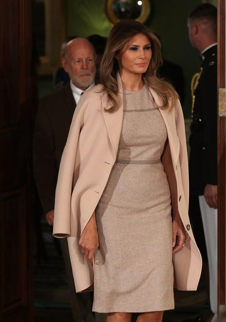 Мелания Трамп в пальто Acne