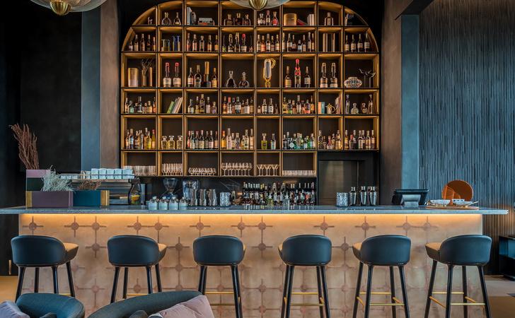 Monograph: дизайн-отель с баром и рестораном в Тбилиси (фото 15)