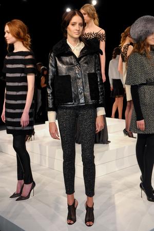 Показы мод Behnaz Sarafpour Осень-зима 2011-2012 | Подиум на ELLE - Подиум - фото 2388