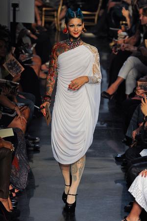 Показы мод Jean Paul Gaultier Весна-лето 2012 | Подиум на ELLE - Подиум - фото 1804