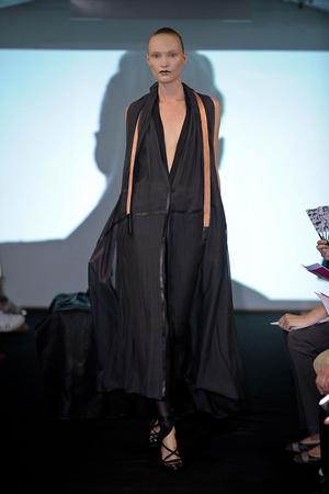 Показ Atelier Gustavo Lins коллекции сезона Осень-зима 2011-2012 года Haute couture - www.elle.ru - Подиум - фото 278123