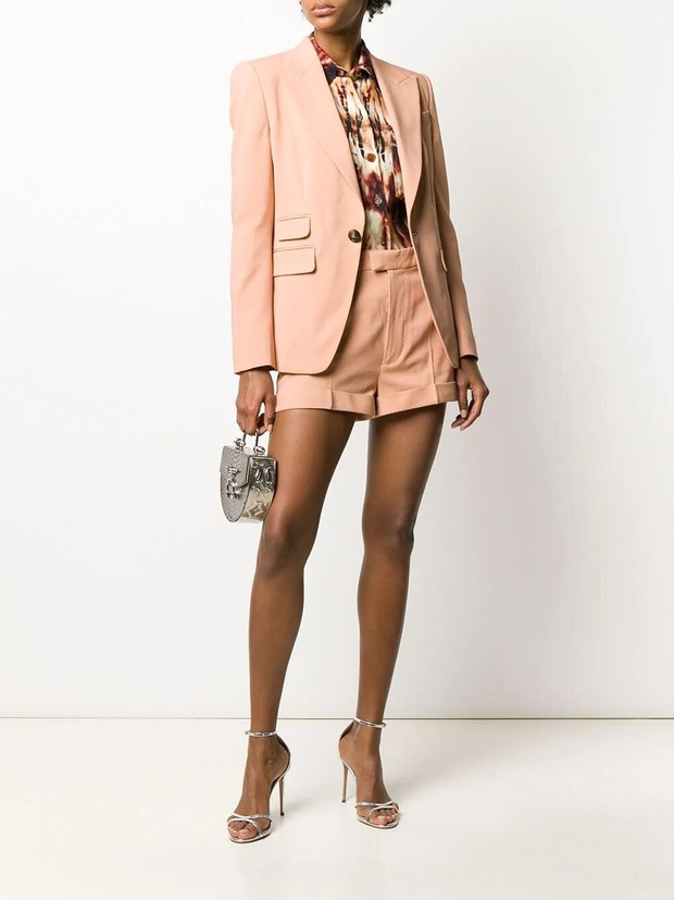 Три бренда, у которых можно купить костюм с шортами, похожий на тот, что выбрала Кейт Аптон (фото 6)