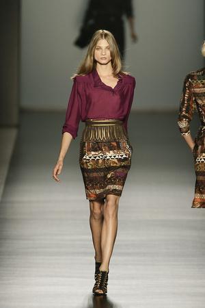 Показы мод Etro Осень-зима 2009-2010 | Подиум на ELLE - Подиум - фото 3174