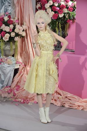 Показ Christian Dior коллекции сезона Весна-лето 2010 года haute couture - www.elle.ru - Подиум - фото 138244