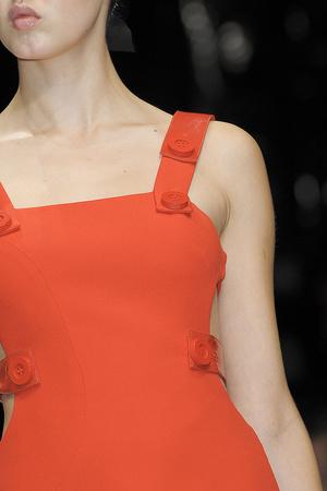 Показ Versace коллекции сезона Весна-лето 2011 года prêt-à-porter - www.elle.ru - Подиум - фото 185802