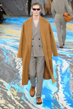 Показ Louis Vuitton коллекции сезона Осень-зима 2014-2015 года Men prêt-à-porter - www.elle.ru - Подиум - фото 573752