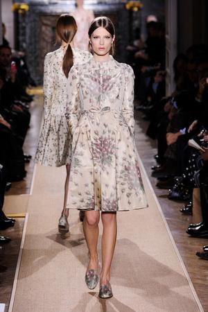 Показ Valentino коллекции сезона Весна-лето 2012 года Haute couture - www.elle.ru - Подиум - фото 332710