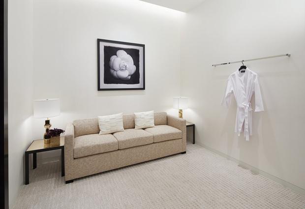 Chanel открыли обновленный бутик в Галереях «Времена года» (фото 4)