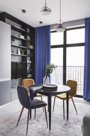 Скандинавская квартира 67 м² с яркими акцентами (фото 1)