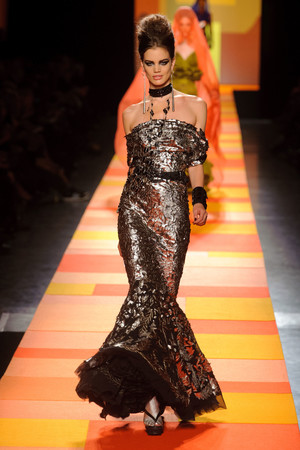 Показ Jean Paul Gaultier коллекции сезона Весна-лето 2013 года Haute couture - www.elle.ru - Подиум - фото 480660