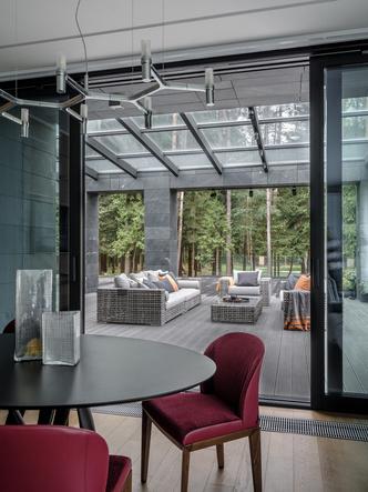 Современный дом  4500 м² с красивым садом на Новой Риге: проект бюро Woodstone (фото 21)
