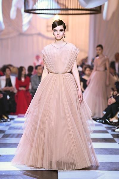 Dior представил капсульную кутюрную коллекцию в Шанхае (галерея 1, фото 11)