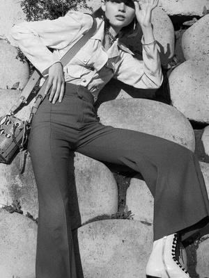 7 новых способов носить брюки на высокой талии (фото 1)