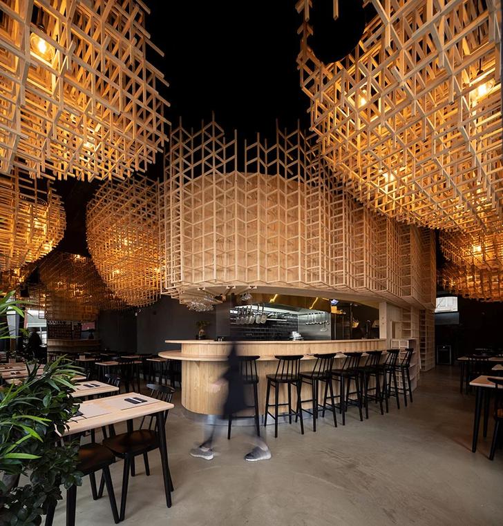 Лапшичная в Лиссабоне по проекту JCFS Architects (фото 0)