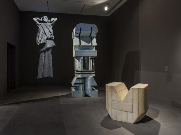 Рик Оуэнс: мебель из мрамора и рога (фото 2)