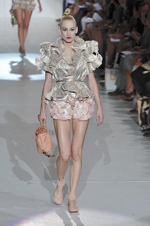 Показы мод Marc Jacobs Весна-лето 2010 | Подиум на ELLE - Подиум - фото 3076