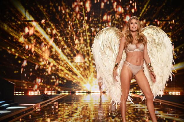 Как стать ангелом виктории сикрет работа по веб камере моделью в исилькуль