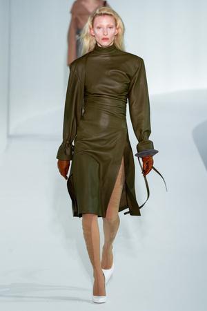 Какие платья будут самыми модными будущей осенью? 6 главных трендов (фото 2.1)