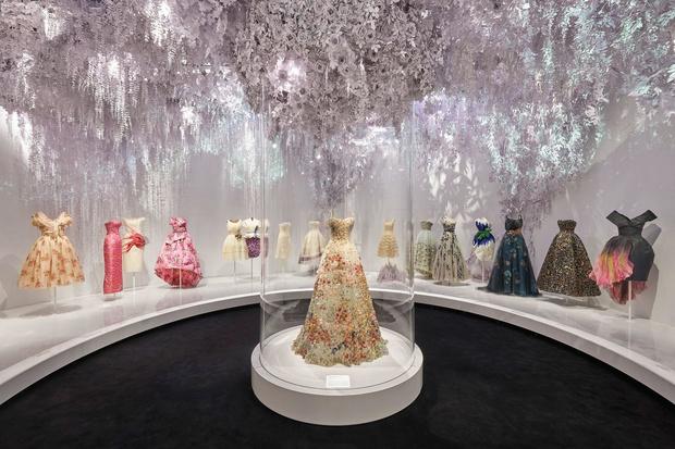 Выставка «Кристиан Диор: дизайнер мечты» в Лондоне (фото 0)