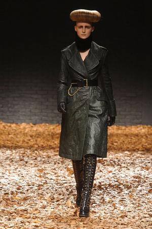 Показы мод McQ Alexander McQueen Осень-зима 2012-2013 | Подиум на ELLE - Подиум - фото 1553